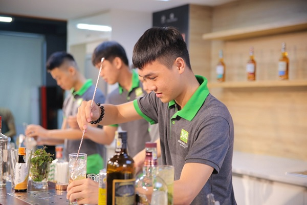 pha chế cocktail